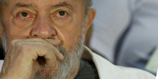 Lula foi condenado em 1ª instância a nove anos e seis meses de prisão por corrupção e lavagem de
