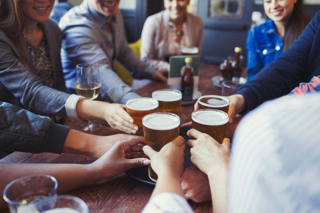 Aplicativos para usar com amigos na mesa de bar.
