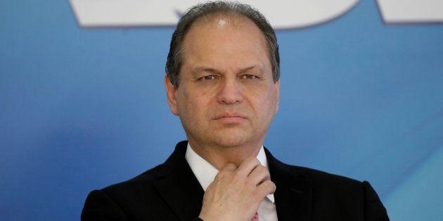 Como relator do orçamento de 2016, Ricardo Barros, atual ministro da Saúde, propôs corte no orçamento...