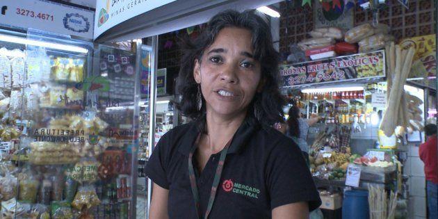 Faxineira poliglota do Mercado Central de Belo Horizonte receberá R$ 12 mil em