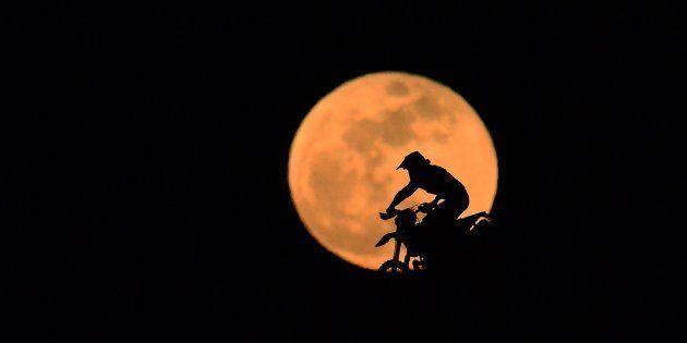 Super lua em Kocaeli, na