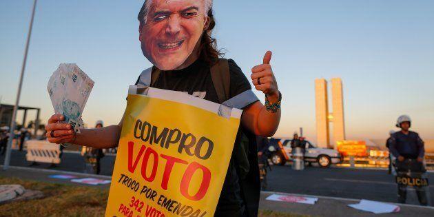 Protesto contra Michel Temer na votação da primeira denúncia do