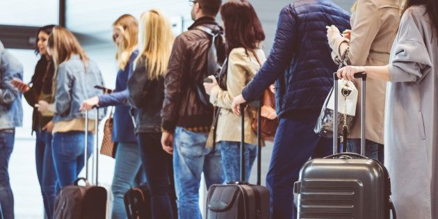 Passageiros reclamam de falta de informação e cobrança indevida de despacho de bagagens