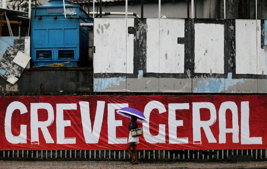 Greve geral em abril de 2017 contra reformas trabalhista e da
