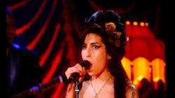 Há 10 anos, Amy Winehouse emocionava a todos com sua performance no