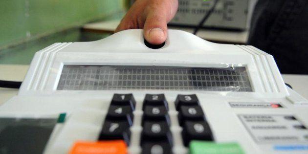 Cadastramento biométrico em