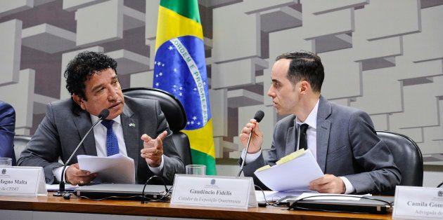 Presidente da CPI dos Maus-Tratos no Senado, Magno Malta (PR-ES) questiona Gaudêncio Fidélis, curador...