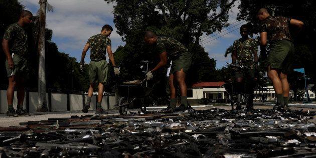Exército coleta 4 mil armas recolhidas pela Polícia Militar em 2017 em campanha de