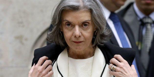 Sepúlveda Pertence apadrinhou indicação de Cármen Lúcia ao STF. Cabe a ela pautar pedido da defesa de...