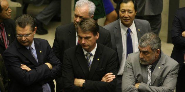 Deputados Sóstenes Cavalcante (DEM-RJ), da bancada evangélica, e Laerte Bessa (PR-DF), da bancada da...