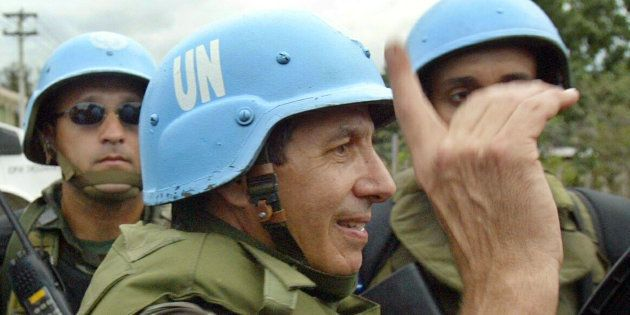 Ex-comandante das Forças Armadas no Haiti, o general Heleno Ribiero acredita que falta ao País combater...