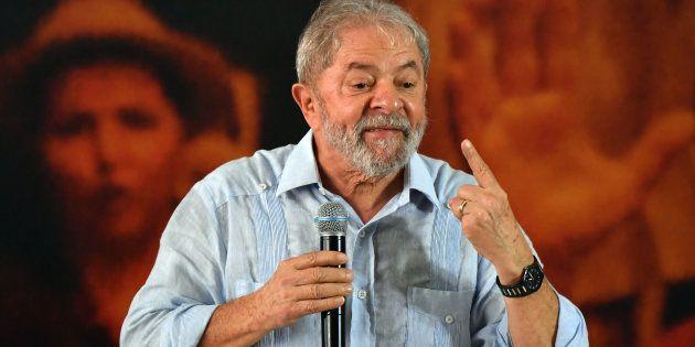 PT mantém o discurso de que Lula será candidato à presidente mesmo admitindo que o petista deve ser