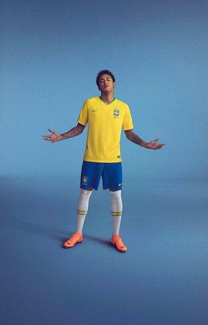 Neymar não joga amistosos, mas já vestiu a nova
