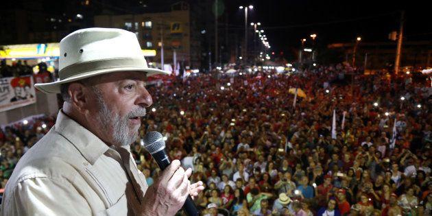 Após tiros em ônibus na caravana de Lula, PT cobra polícia e governo Temer por ataques ao