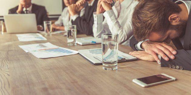 É claro que algumas reuniões são essenciais. E e-mails podem ser mal interpretados – ou mal escritos....