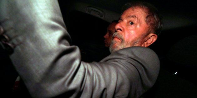 O ex-presidente foi condenado a 12 anos e 1 mês de prisão por corrupção e lavagem de