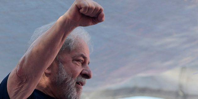 Após ausência em ato de resistência de Lula à prisão, PDT nega distanciamento de Ciro