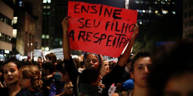 Estupro coletivo de menina de 16 anos no Rio de Janeiro provoca mobilização nas ruas em 2016, mas crime...