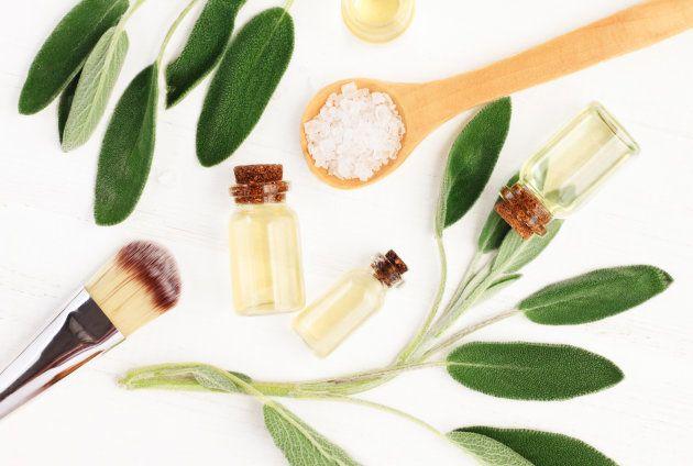 Cosmético vegano é aquele que não utiliza nenhum ingrediente de origem animal ou derivados.