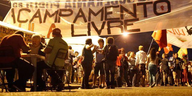 Acampamento pró-Lula próximo à sede da Polícia Federal, em Curitiba, onde o ex-presidente cumpre pena...