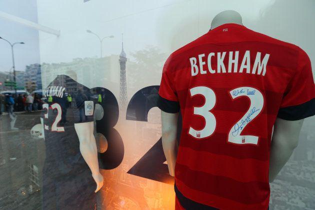 Camisa 32 que Beckham usou no PSG fez clube quebrar recorde de vendas em