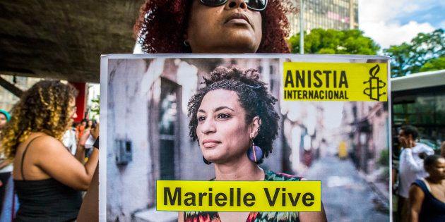 A bancada religiosa ainda tenta tirar a palavra gênero de 2 dos 5 projetos de Marielle aprovados pela...