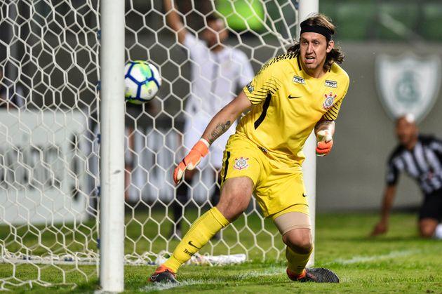 Cássio é o favorito para ocupar vaga de terceiro goleiro da Seleção no