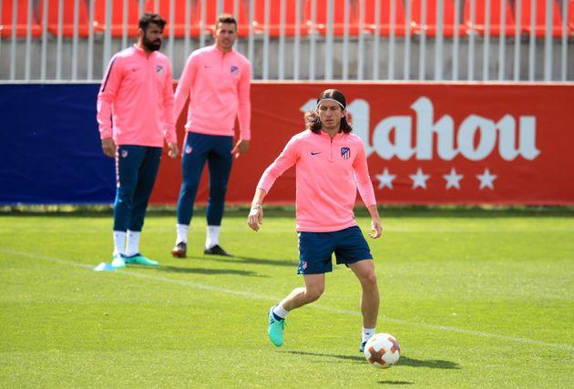 Filipe Luis, do Atletico de Madri, é o favorito para a reserva de Marcelo na
