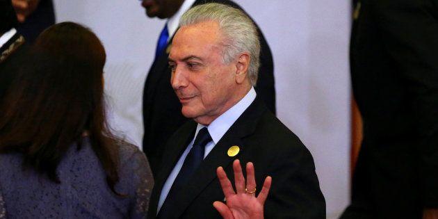 Em 12 de maio de 2016, Michel Temer recebeu a notificação para assumir a Presidência da República, no...