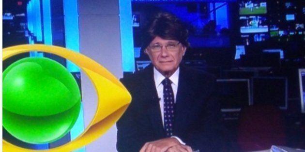 Apresentador Ricardo Boechat deu um susto nos espectadores ao aparecer usando peruca no Jornal da