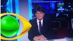 Ricardo Boechat surge de peruca no Jornal da Band e diverte