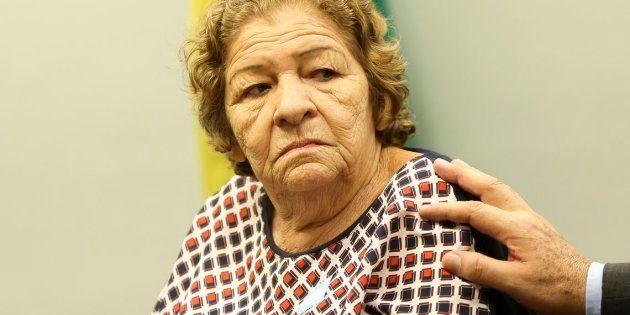 Francisca Ferreira de Vasconcelos, mãe da travesti Dandara dos Santos, torturada e assassinada em 2017,...
