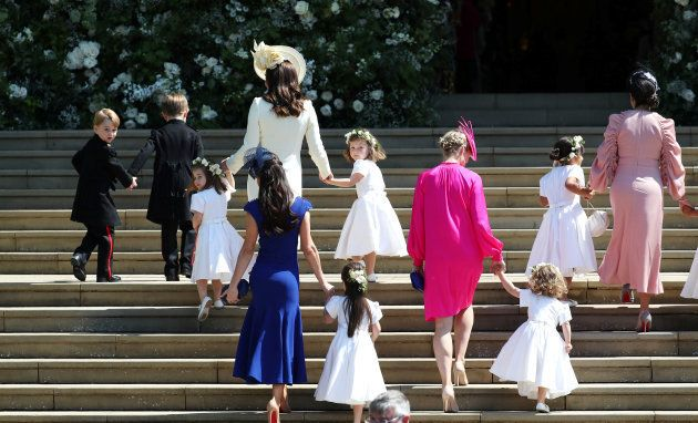 Príncipe George, princesa Charlotte com a duquesa de Cambridge, Kate Middleton