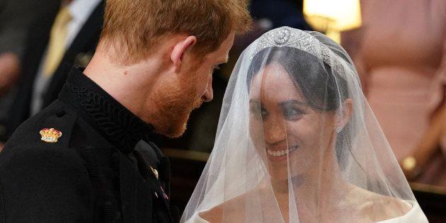 casamento real meghan markle quebra protocolo e faz parte do trajeto ao altar sozinha huffpost brasil comportamento huffpost brasil
