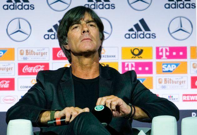 Técnico Joachim Löw convocou base que foi campeã no Brasil para tentar evitar a 'maldição' que fez Itália...