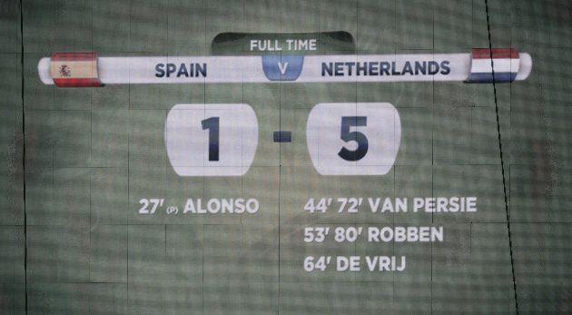 Placar da Arena Fonte Nova, em Salvador, imortalizou vexame da Espanha contra a Holanda, na estreia da...