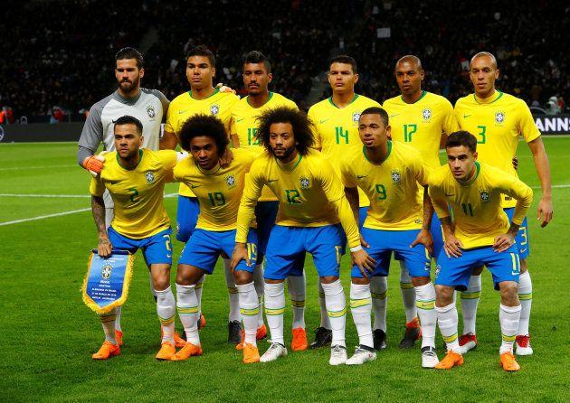 O Brasil vai parar para assistir à Seleção Brasileira. Mas talvez não seja feriado no