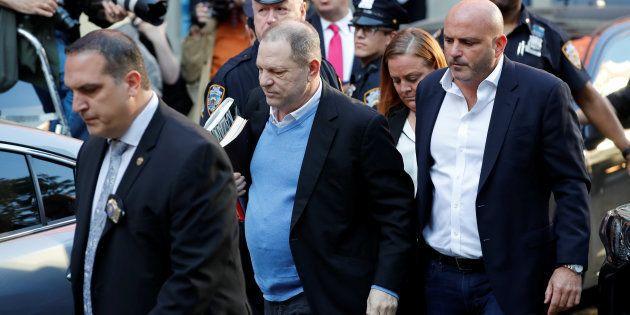 Harvey Weinstein se entrega em Nova