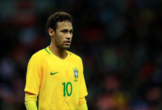 Neymar é o camisa 10, craque do time e opção de Tite para a vaga aberta de