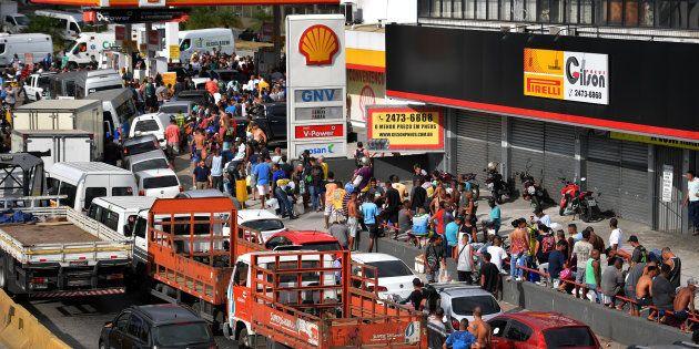 Greve dos caminhoneiros chega ao 8º dia. Empresários negam participação em crimes como