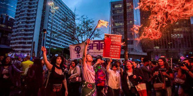 Projeto de lei cria crime de importunação sexual e endurece punição para delitos contra a dignidade