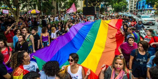 Parada LGBTI em São Paulo tem foco nas eleições e promoção de