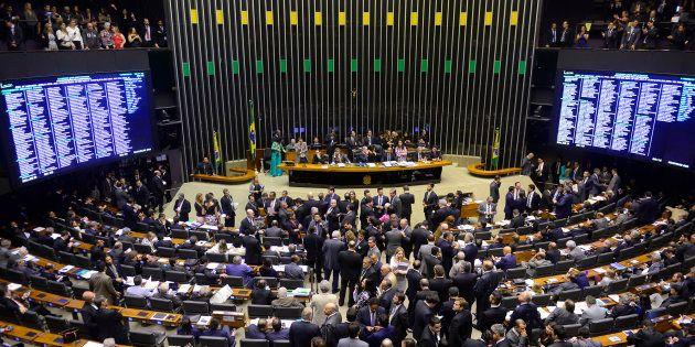 A Câmara dos Deputados tem 513 parlamentares, eleitos pelo sistema proporcional de lista