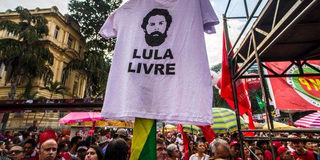 PT quer que Lula grave um vídeo por semana na pré-campanha, mas ainda não conseguiu autorização