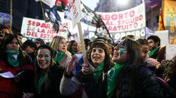 Vitória das mulheres: Câmara aprova descriminalização do aborto na