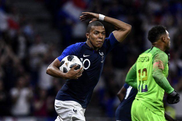 O dono da bola: Kylian MBappe é o camisa 10 mais jovem da Copa e um dos mais talentosos, e pode levar...