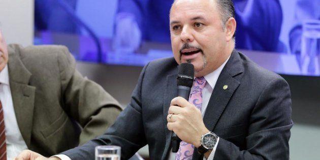 O substitutivo ao projeto foi apresentado em 8 de maio por Flavinho, que analisa se irá adotar as emendas...