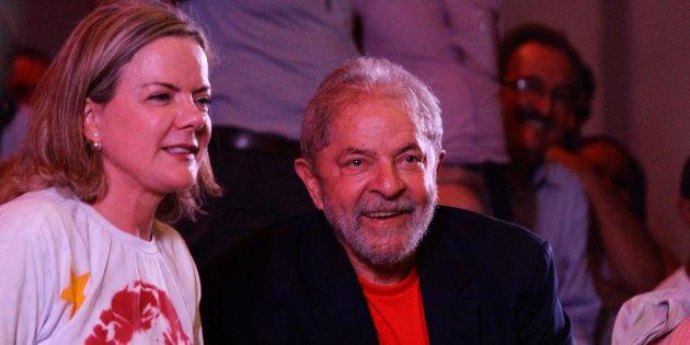 Atual presidente do PT, Gleisi é uma das vozes que insistem na candidatura de Lula e negam qualquer possibilidade...