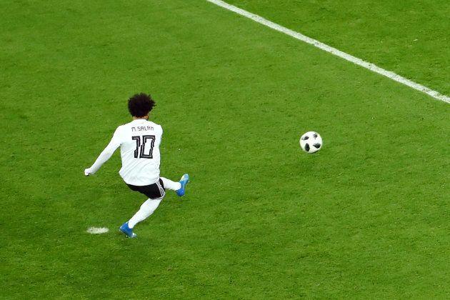 Salah cobrou pênalti e marcou gol do Egito, mas sua seleção está praticamente eliminada da