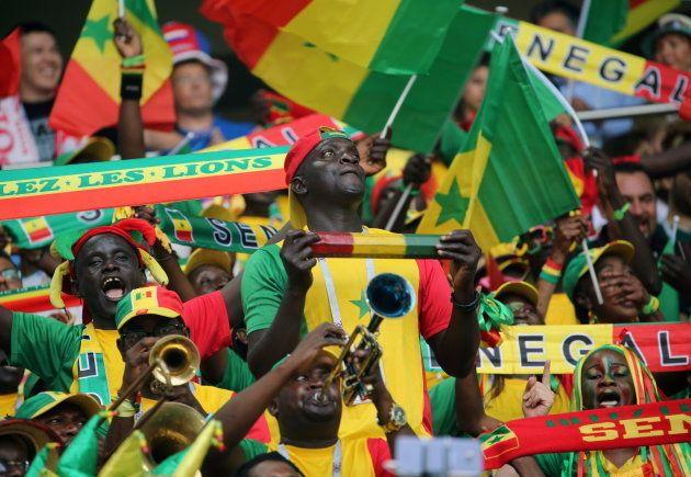 Torcedores de Senegal estiveram em bom número na partida contra a